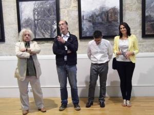 Imagen del momento de la presentación de la muestra pictórica.